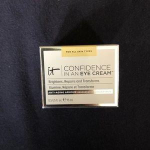 It Cosmetics Confident in an Eye Cream